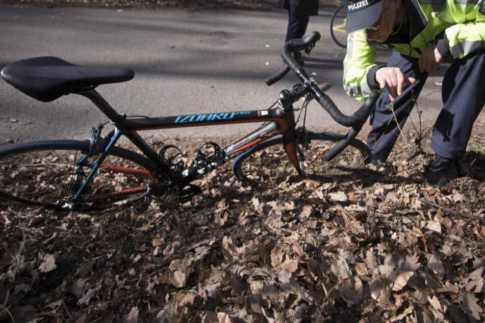 Der 37 Jahre alte Radfahrer hatte keine Chance. (Symbolbild)