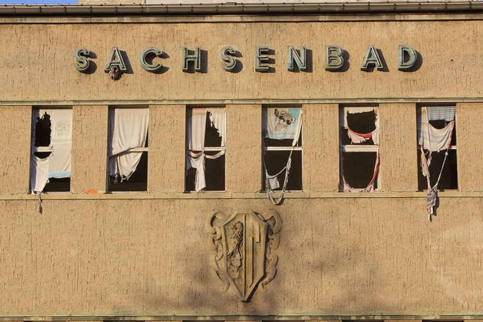 Bis endlich eine Lösung steht, verfällt das alte Sachsenbad in Dresden-Pieschen weiter.