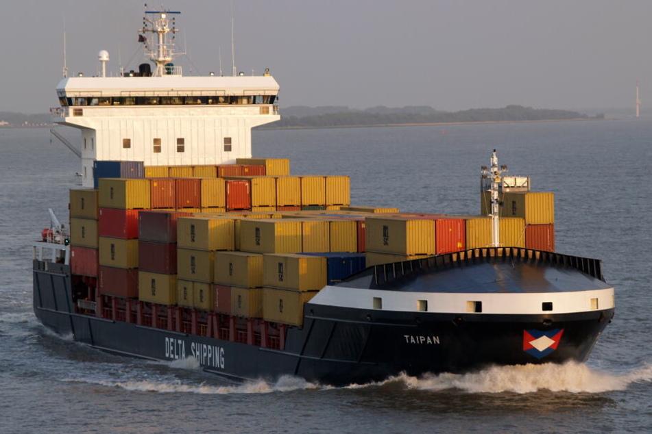 """Das Hamburger Frachtschiff """"Taipan"""" wurde 2010 vor der somalischen Küste von Seeräubern überfallen worden."""