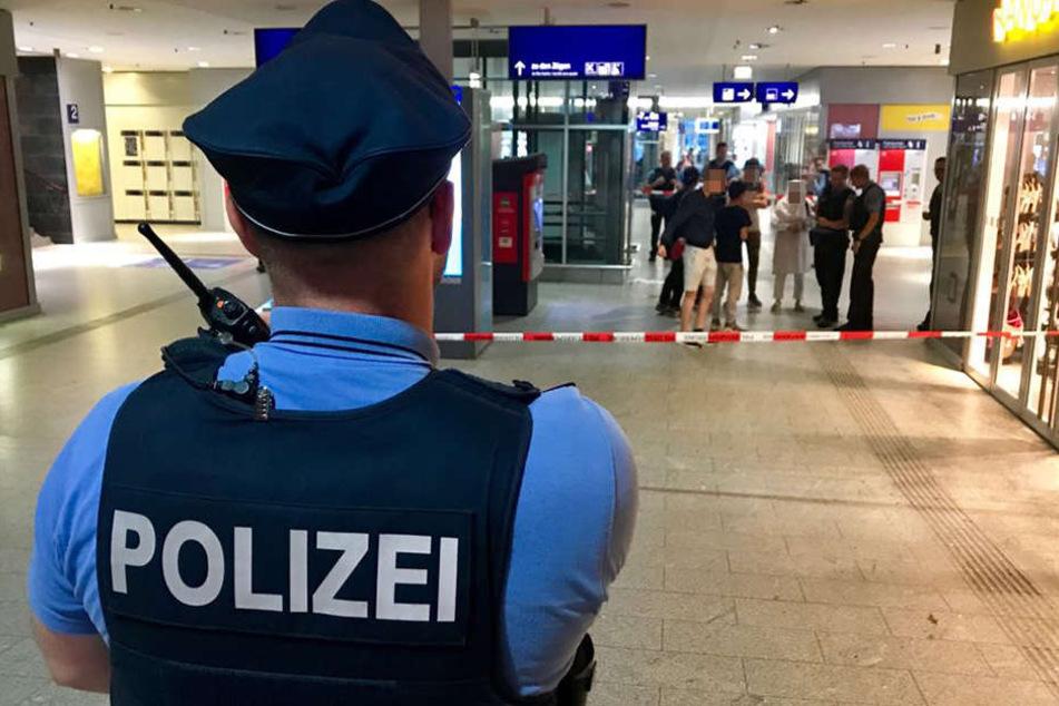 Die Polizei sicherte den kompletten Hauptbahnhof ab.