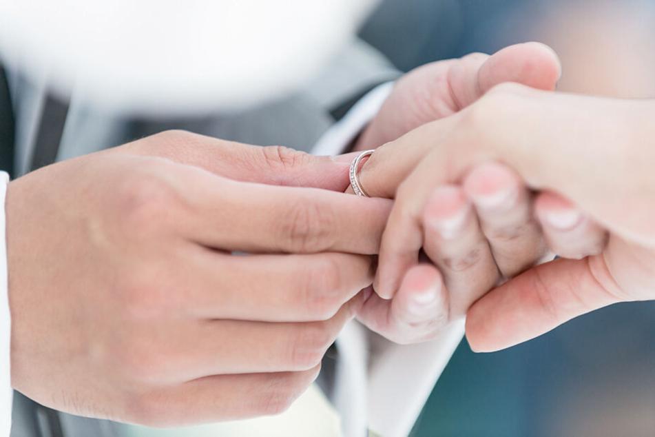 Neues Gesetz verlangt HIV-Test vor der Hochzeit