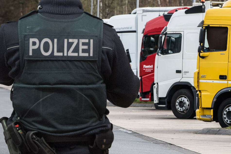 Insgesamt kontrollierte die Polizei am Sonntag in Hessen rund 1200 Lastwagen-Fahrer (Symbolbild).