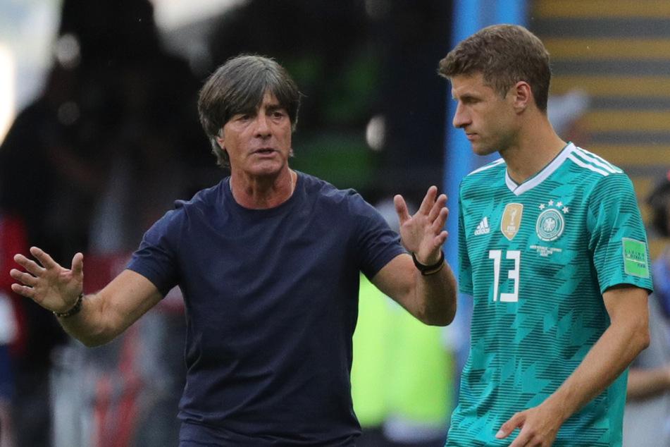 Bundestrainer Joachim Löw (61, l.) und Thomas Müller (31) im Jahr 2018.