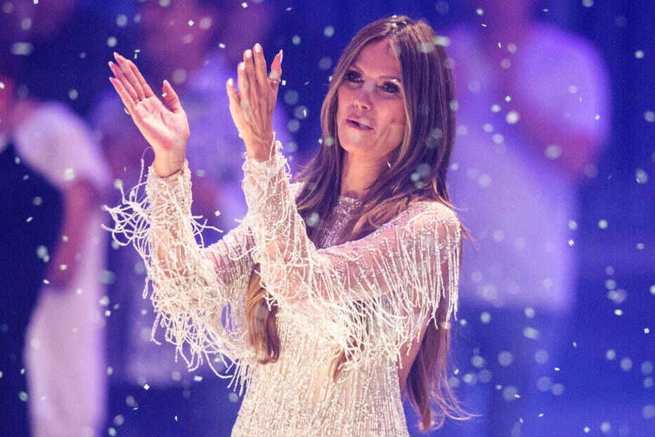 Heidi Klum wird am Donnerstagabend wieder viel Prominenz begrüßen dürfen. Auch ihr Zukünftiger Tom Kaulitz wird mit seiner Band Tokio Hotel auftreten.