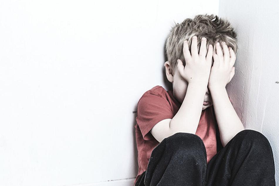 Mann beichtet seiner Freundin, dass er als Kind vergewaltigt wurde: Ihre Reaktion ist entsetzlich