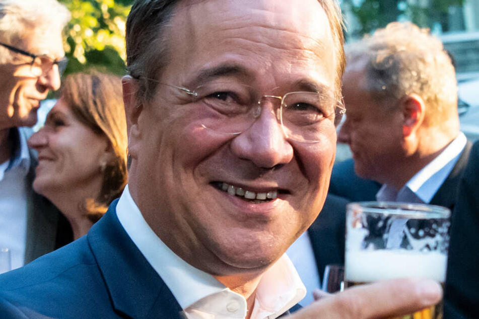 Kölner Bierfest statt Politik: Armin Laschet in der Kritik