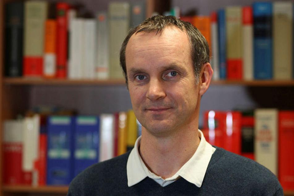 Michael Hummel von der Verbraucherzentrale Sachsen rät, Lockangebote genau zu  prüfen.