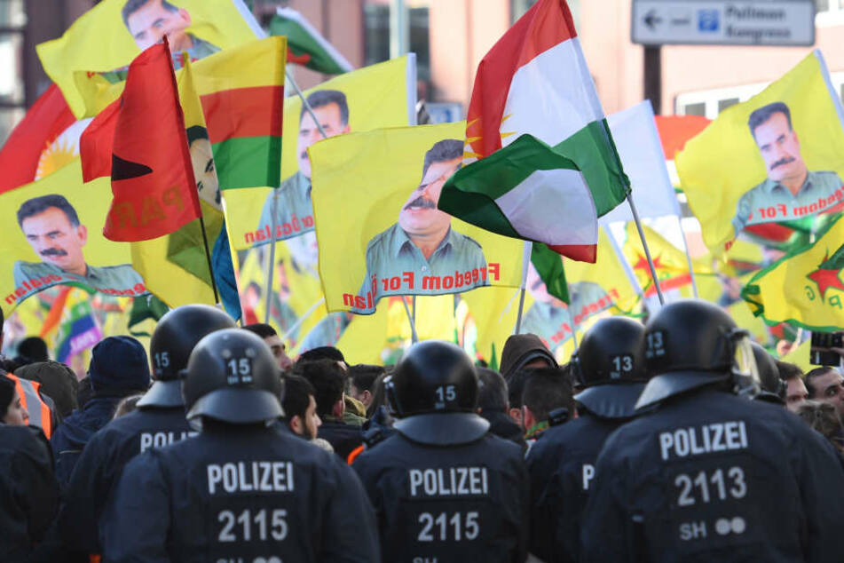 Bereits am 27.01.18 gab es eine Kurden-Demo gegen die türkische Militäroffensive in Nordsyrien.