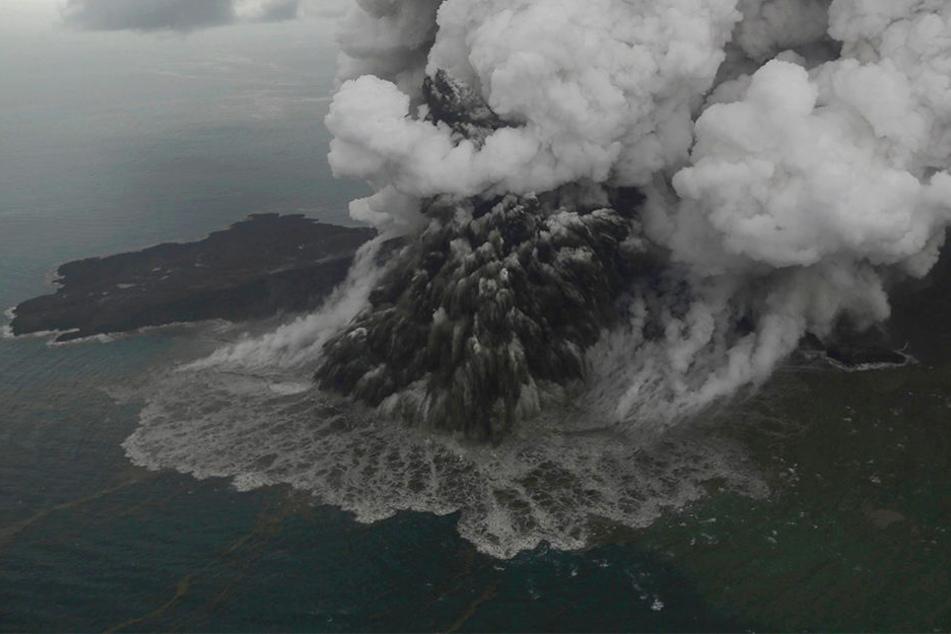Der Ausbruch hat auch am Vulkan selbst deutliche Spuren hinterlassen.