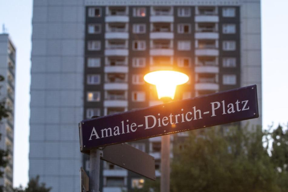 Am Amalie-Dietrich-Platz kommt es immer wieder zu Polizeieinsätzen.