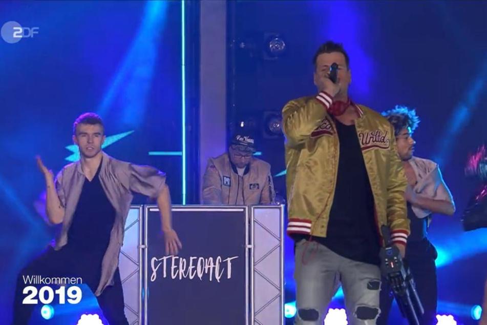 Der Auftritt des DJ-Duos Stereoact zum Jahreswechsel in Berlin sorgte für Verwirrung.