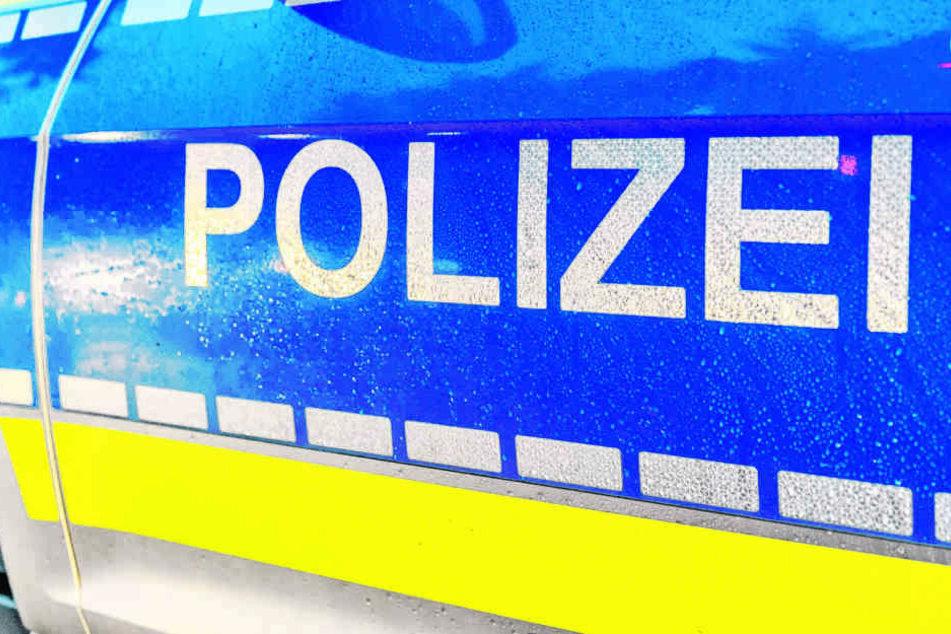 Ein Mann wurde in einer Wohnung in Siegburg bei Köln niedergestochen - womöglich von seiner eigenen Tochter!