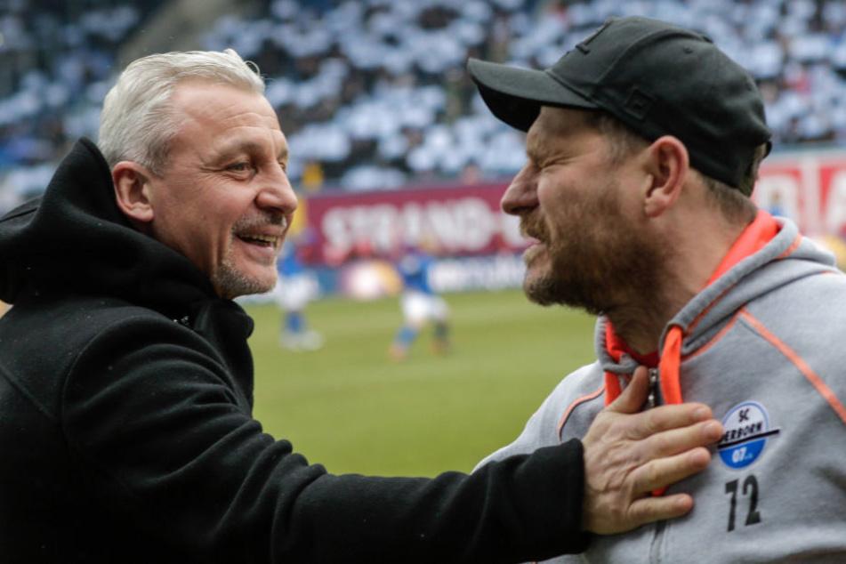 Vor dem Duell begrüßten sich Rostocks Trainer Pavel Dotchev (li.) und SCP-Trainer Steffen Baumgart.