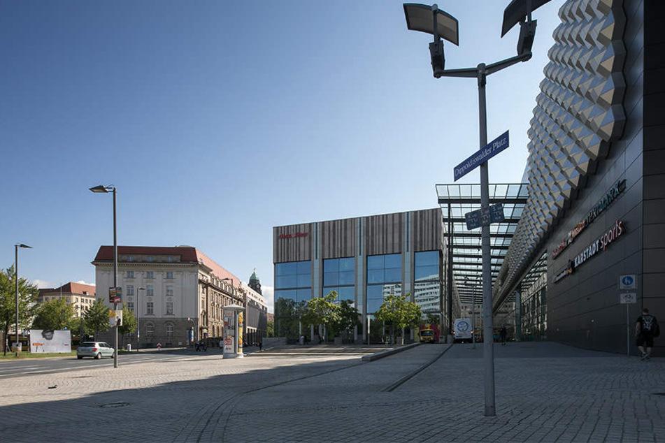 Am Dippoldiswalder Platz kam es am Nachmittag des 22.08. zu einer Auseinandersetzung.