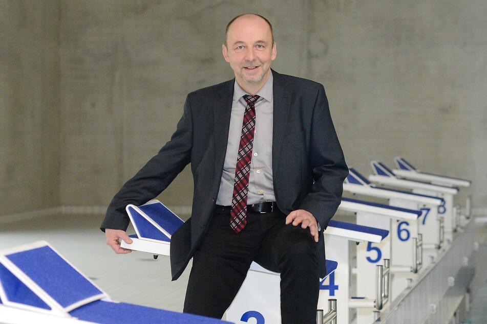 Bäder-Chef Matthias Waurick (58) plant den Neustart der Dresdner Hallen- und Freibäder.
