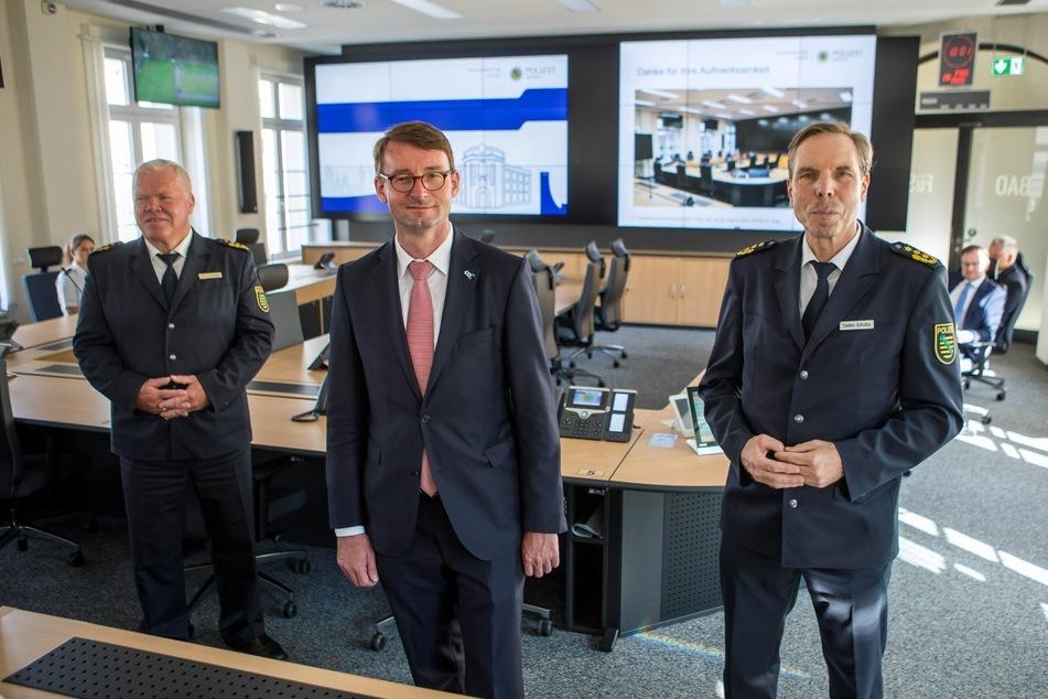 Der Gipfel ist weg, die neue Führunszentrale nun einsatzbereit: Darüber freuten sich gestern Landespolizeipräsident Horst Kretzschmar, Innenminister Roland Wöller und Leipzigs Polizeichef Torsten Schultze (v.l.n.r.).