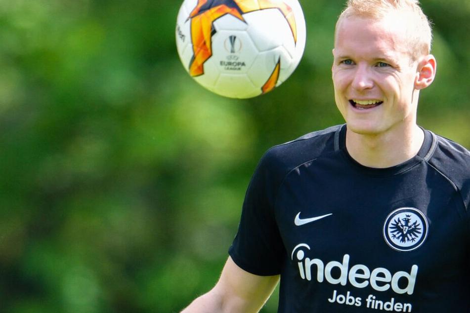 Das Foto zeigt Sebastian Rode im Trikot von Eintracht Frankfurt im Mai 2019.
