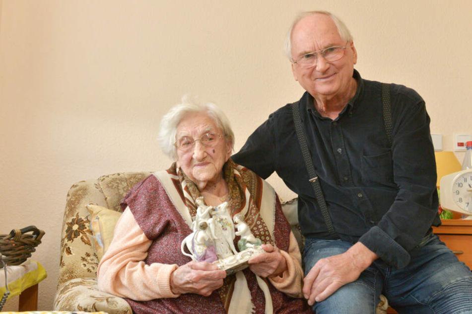 Lisbeth Exner (107) muss für ihren Heimplatz jetzt 412 Euro mehr bezahlen. Das übersteigt ihre Rente, was auch Sohn Dietrich (80) ärgert.