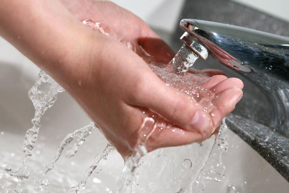 Die im Trinkwasser nachgewiesenen Keime könnten Anzeichen für Erregern sein.