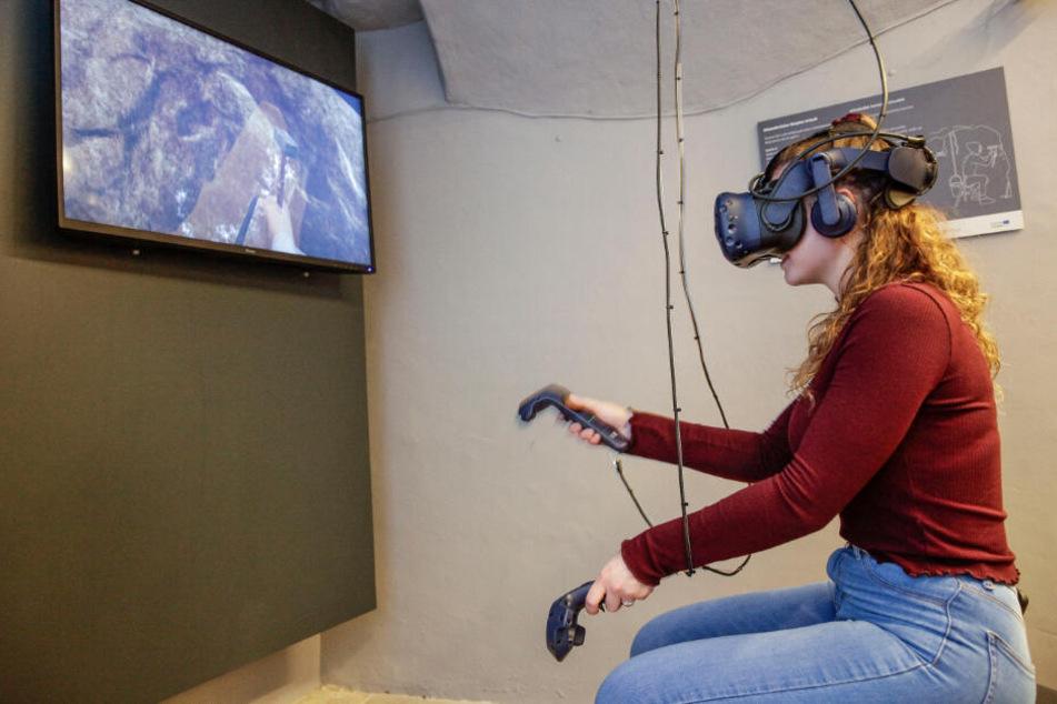 Mittels VR-Brille geht es Hunderte Jahre zurück - als Bergmann unter Tage ...