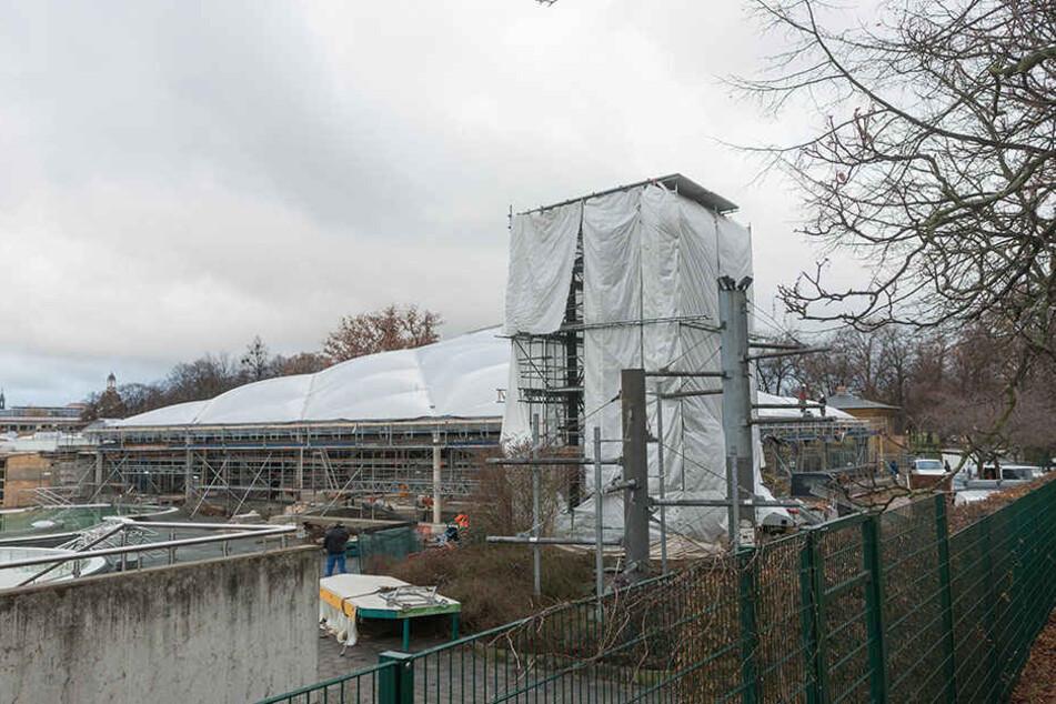 Im Mai erst soll das Georg-Arnhold-Bad endlich fertig werden.