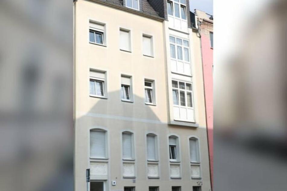 Messer-Drama in Plauener Wohnviertel: In diesem Haus spielte sich der blutige Ehestreit ab.
