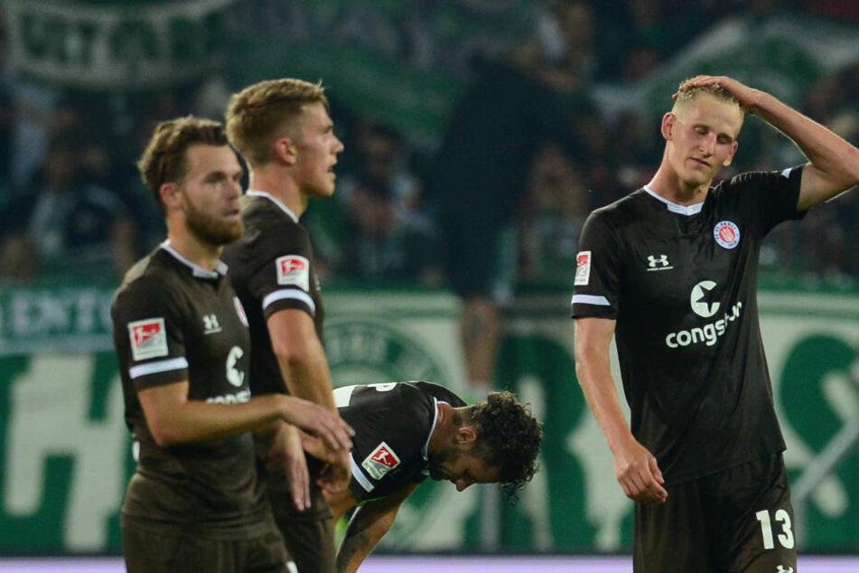 Die Enttäuschung stand den Spielern des FC St. Pauli nach der Heimniederlage gegen Greuther Fürth ins Gesicht geschrieben.