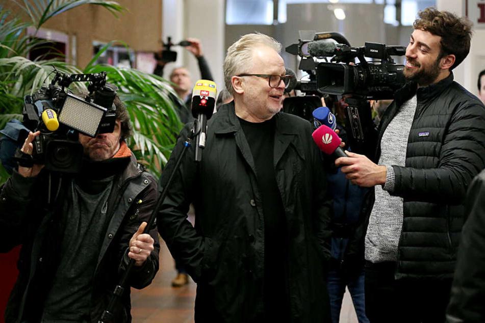 Als Herbert Grönemeyer (62) das Kölner Justizgebäude betrat, überschlugen sich die Fotografen und Fernsehteams.