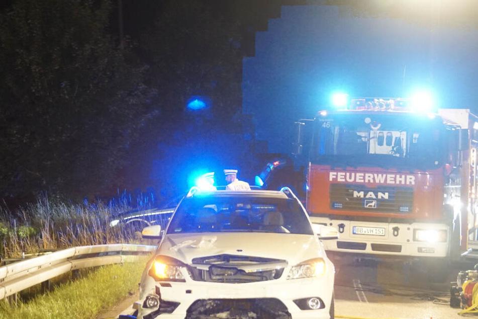 Motorradfahrer (28) rutscht unter entgegenkommendes Auto und stirbt