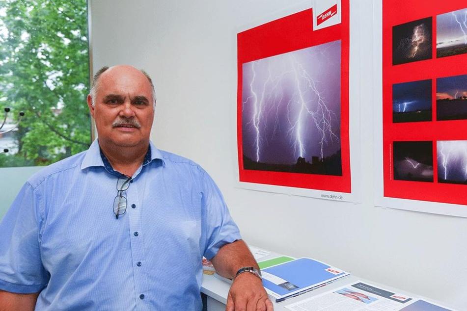 Als Sachverständiger auch für die Handwerkskammer Dresden tätig:  Elektrotechnik-Experte Andreas Aust (56).