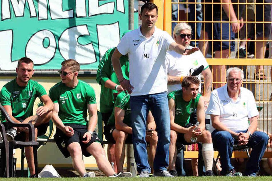 Trainer Miroslav Jagatic hat das erste Testspiel mit Chemie Leipzig gegen den 1. FC Magdeburg am Mittwochabend mit 0:3 verloren. (Archivbild)