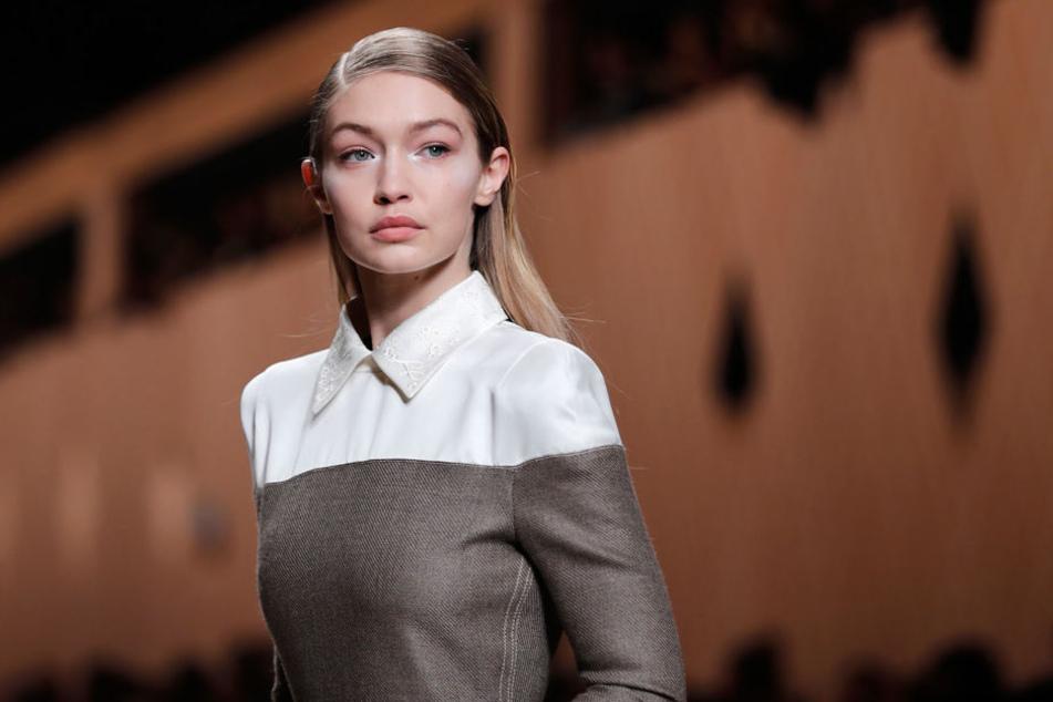 """So sieht US-Model Gigi Hadid eigentlich aus - viel Ähnlichkeit zum """"Vogue""""-Cover ist nicht zu erkennen."""