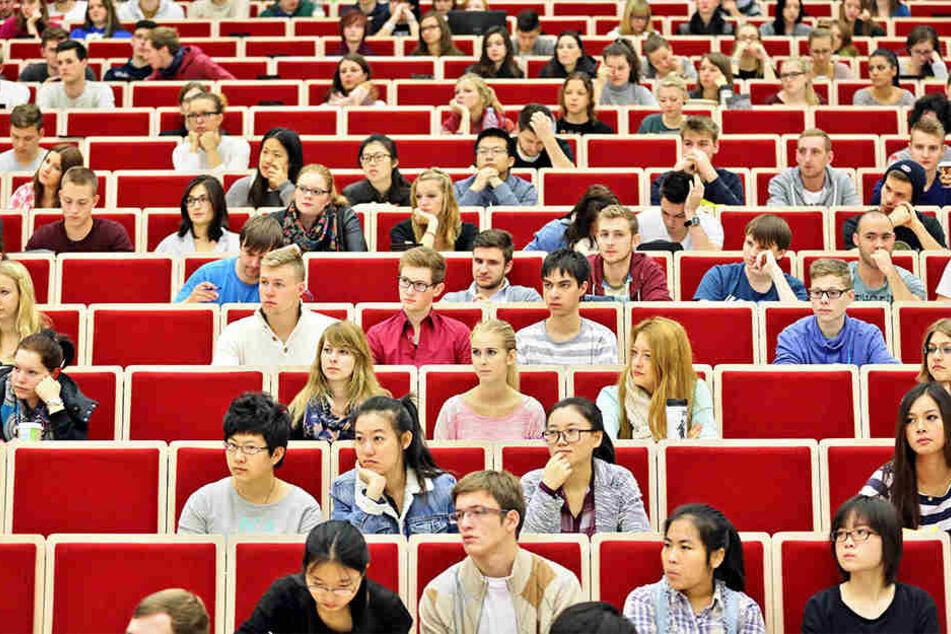 Etwa 1100 der 8000 Studenten an der Hochschule Anhalt kommen aus China. (Symbolbild)