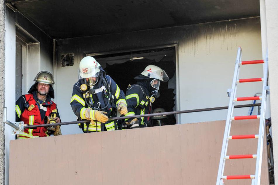 Der Balkon wurde durch das Feuer in Mitleidenschaft gezogen.