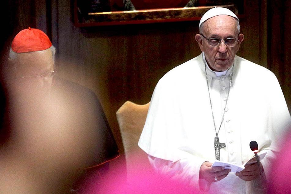 Für Papst Franziskus (81) ist der Teufel etwas Reales.