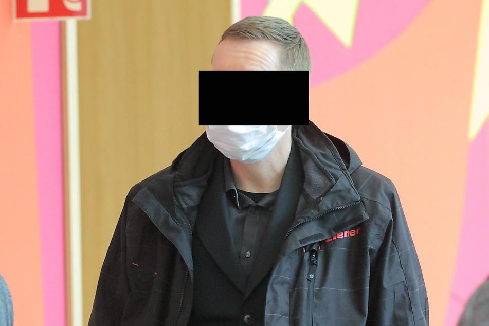Polizeiobermeister Ralph R. (44) musste Dienstag vor den Amtsrichter.
