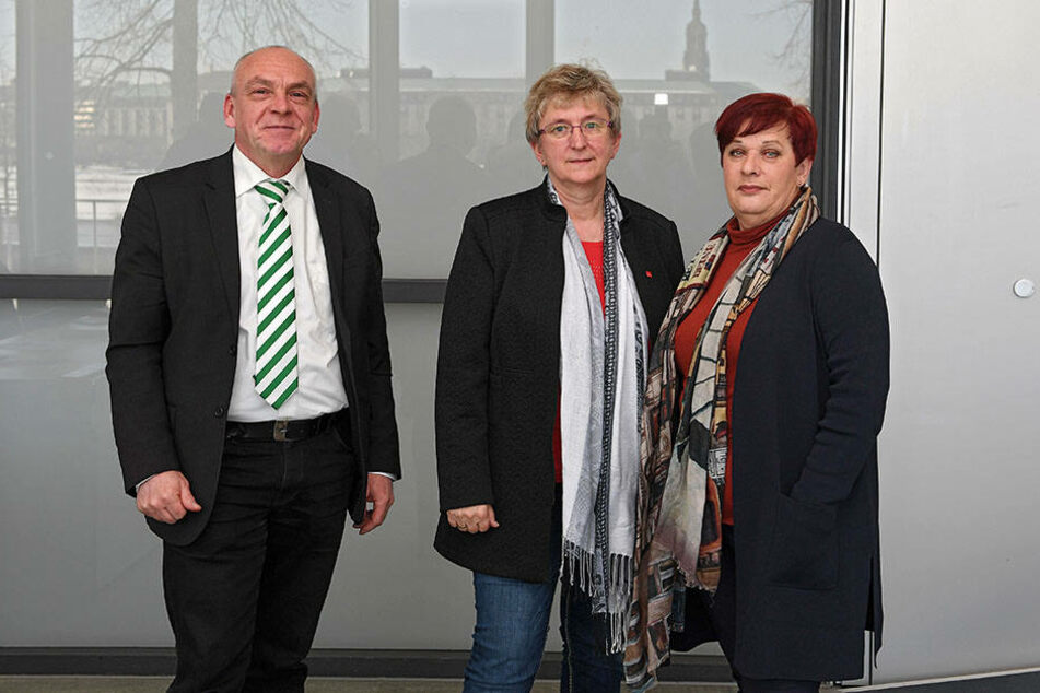 Sie rufen zum Warnstreik auf: SLV-Chef Jens Weichelt (55), Manuela Schmidt (57) von verdi und GEW-Chefin Uschi Kruse (61).