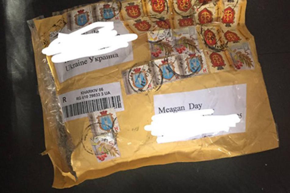 Nach einem Monat Wartezeit flatterte dieses Paket bei Meagan ins Haus. Nicht mit dem Inhalt, den sie wollte.