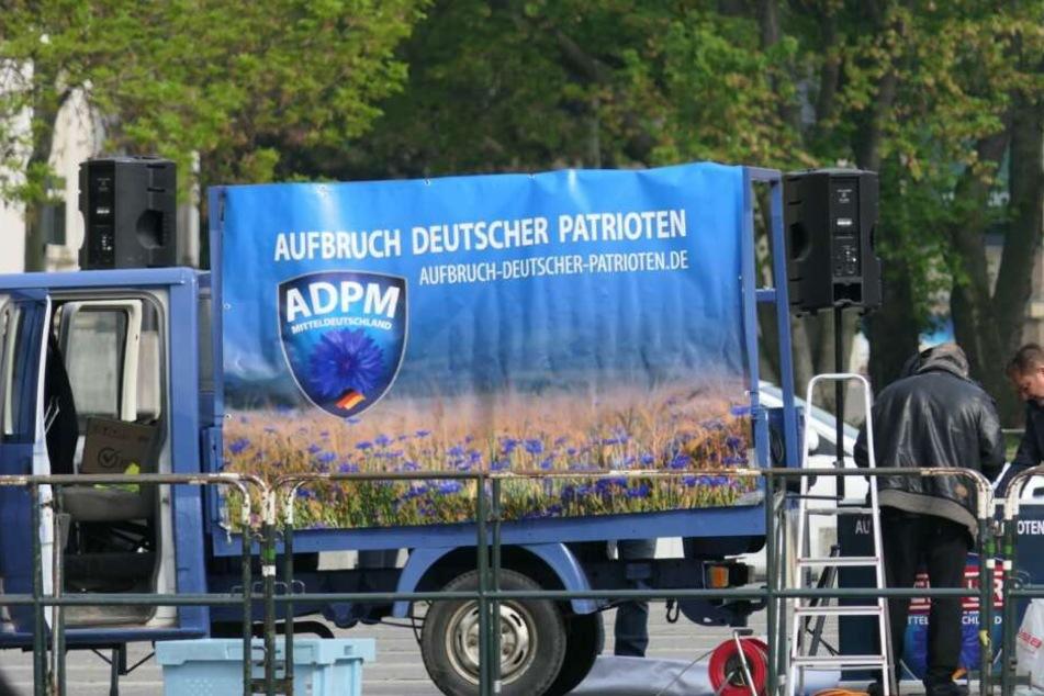 Am 1. Mai war die Partei mit etwa 50 Anhängern auf dem Simsonplatz vor dem Bundesverwaltungsgericht vertreten.