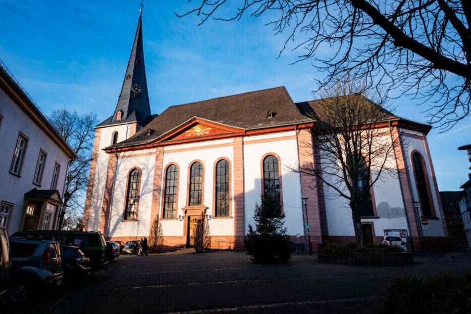 Die Kirche St. Peter und Paul in Bad Camberg.