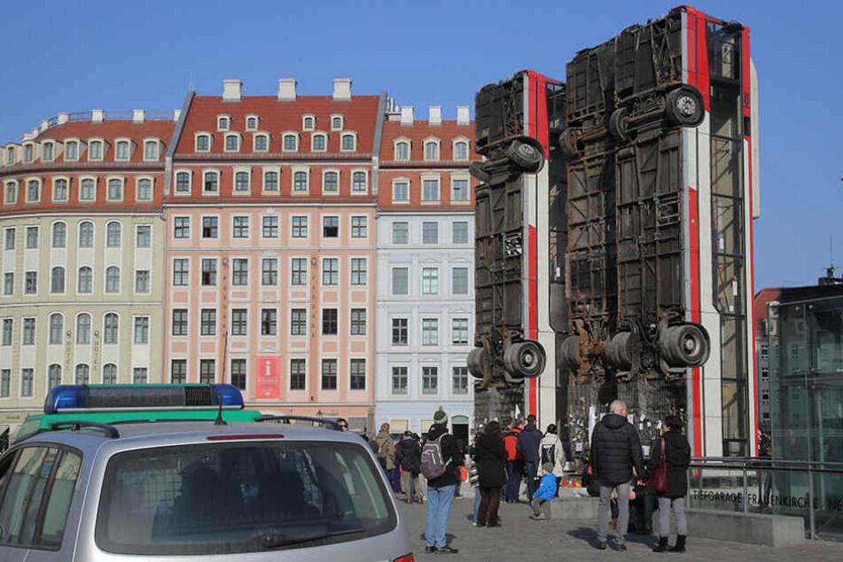 In der Stadt wird aktuell viel über Kunst diskutiert - vor allem über die Busse auf dem Neumarkt.