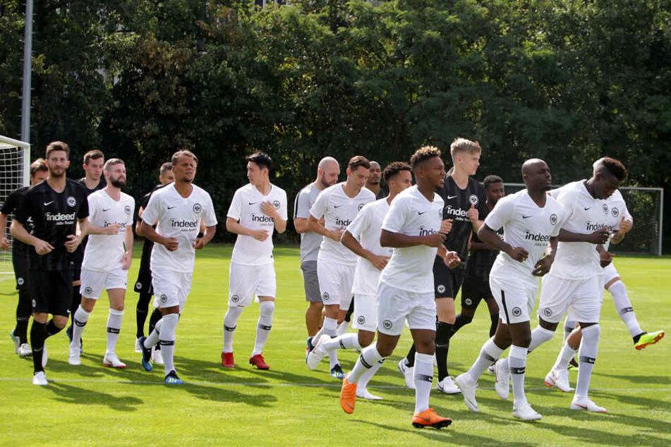 Am Mittwoch hielt die Eintracht mit ihrem neuen Coach Adi Hütter die erste öffentliche Trainingseinheit ab.