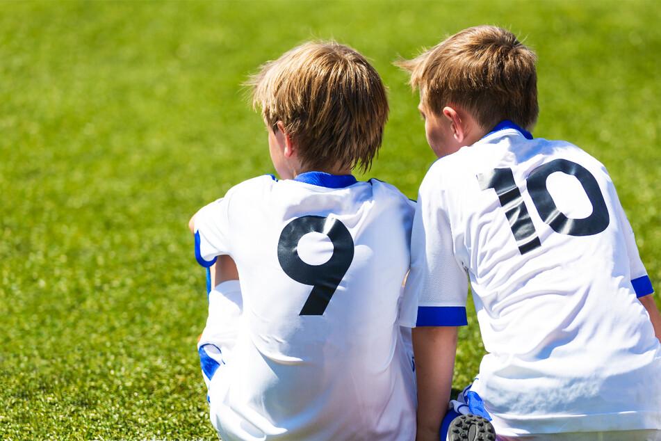 Schockierender Bericht belegt: Fußballverband hat Kinder nicht vor Missbrauch geschützt!