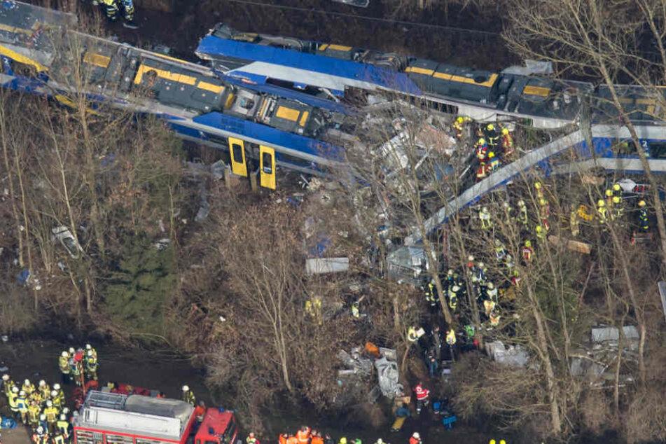 Beim Zugunglück von Bad Aibling verloren 2016 zwölf Menschen ihr Leben. (Archivbild)