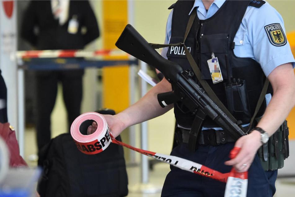 Die Bundespolizei nahm einen Mann fest und sperrte eine Flughafenhalle (Archivbild).
