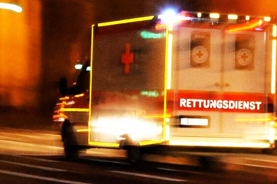 Die Rettungskräfte konnten das Leben eines Jugendlichen nicht retten. (Symbolbild)