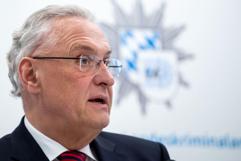 Joachim Herrmann (63, CSU), Innenminister von Bayern, zeigte sich angesichts der Pläne geschockt. (Archivbild)