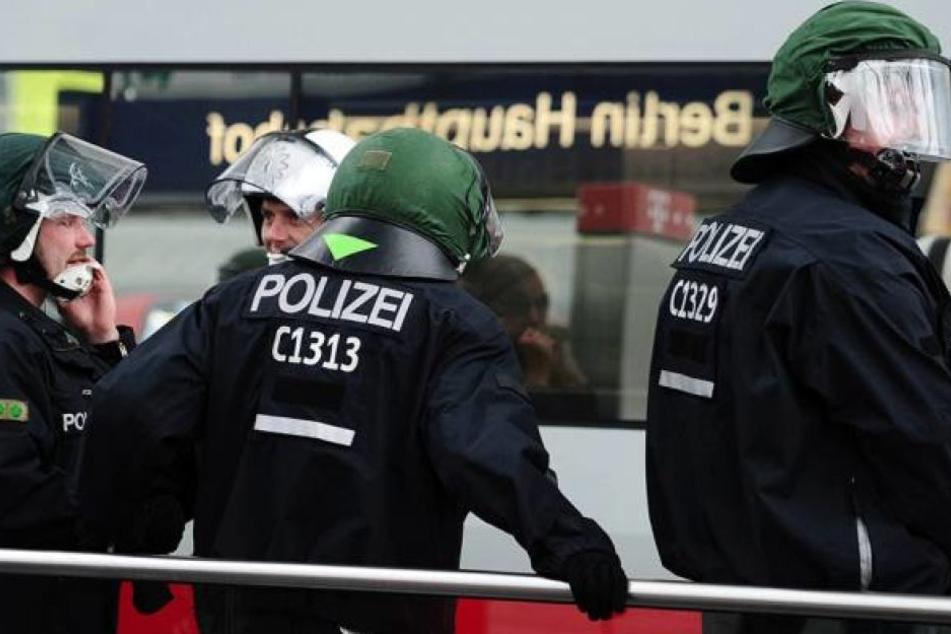 Die Polizei ging mit einem Großaufgebot im Februar gegen die Hooligang-Schlägerein in Moabit vor (Symbolbild).