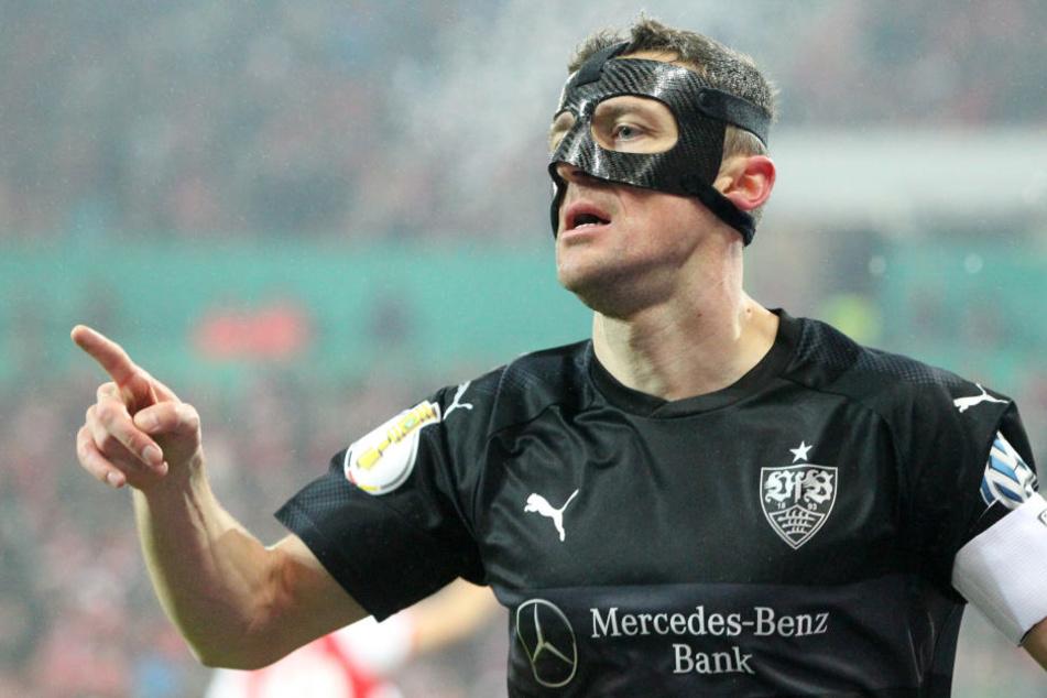 Der Stuttgarter Christian Gentner jubelt nach seinem Treffer zum 1:0.