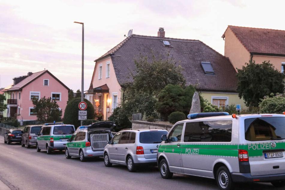 Zwischen 20 und 30 Beamte waren bei dem Vorfall im Einsatz.